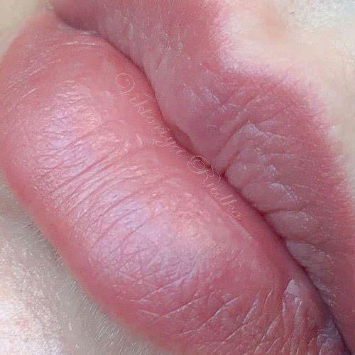 естественный татуаж губ