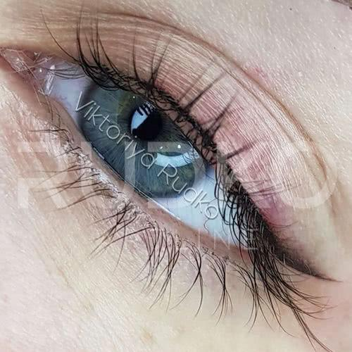 Make a permanent eyeliner and save time and nerves