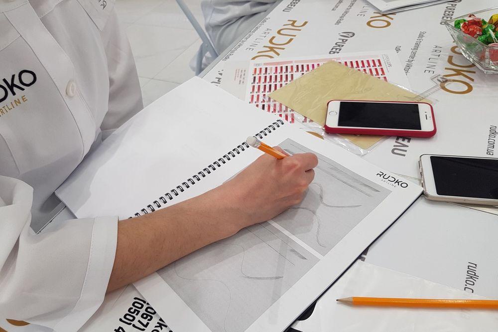 отработка штриха на бумаге